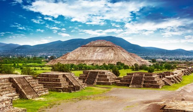 Пирамиды_Луны_и_Солнца,_Теотиуакан