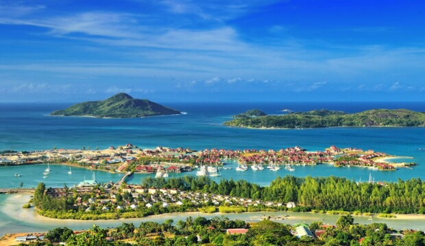 Top 8 most famous resorts in the world -Seishely