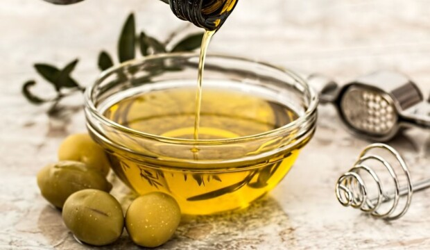 olive-oil-how to keep youth